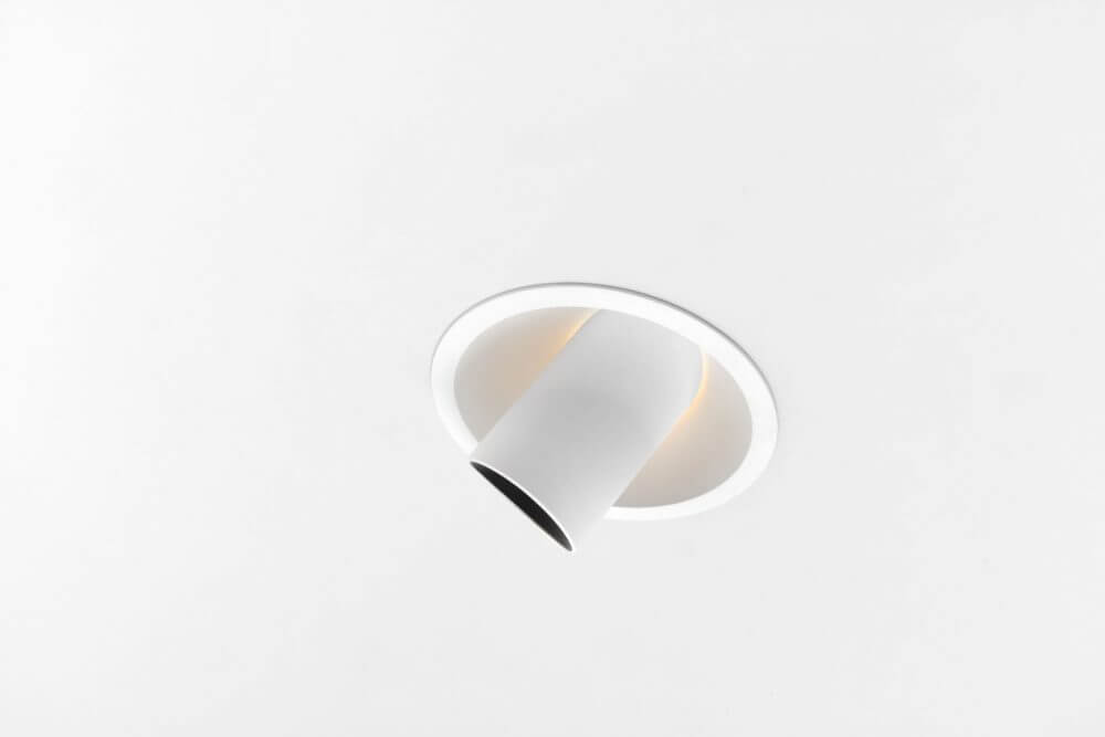 HOLLOW-125_WHSTR_0460 2019 Modular Lighting Instruments